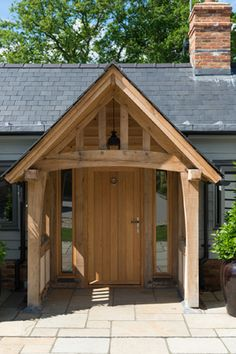 Porch Oak, Porch Timber, Front Porch Pergola, House Front Porch, Pole Barn House Plans, Pole Barn Homes, Metal Building Homes, Building A House, Portico Entry