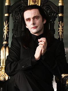 The Twilight Saga: New Moon Michael Sheen as Aro the ONLY reason I will be watching ANY of the twilight films Twilight Saga New Moon, Twilight Series, Twilight Movie, Twilight Photos, Twilight Cast, Michael Sheen, Diesel Punk, Psychobilly, New Moon Movie