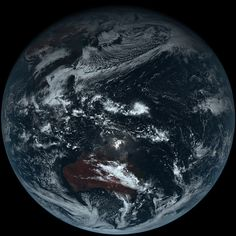 The First True-Color Shot of Earth from Space - My Modern Met