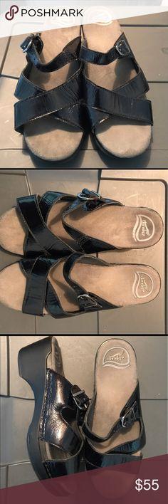 EUC Dansko sandals Beautiful Dansko Sandals in excellent shape. Worn only handful of times. Size 8. Dansko Shoes Sandals