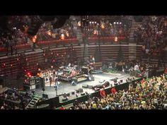 ▶ Pearl Jam Lightning Bolt Tour -Viejas Arena SDSU San Diego 11/21/2013 - YouTube