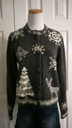 Woolrich Women's Gray & White Winter Theme Cardigan Sweater Size Small #Woolrich #Cardigan
