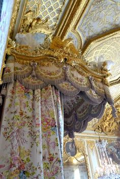 Marie Antoinette, canopy bed, Palace of Versailles, France