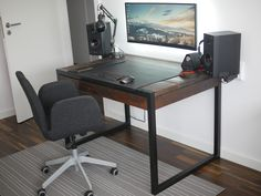 My highly minimalistyc home office with custom reclaimed wood desk PC - 2nd try... - Album on Imgur