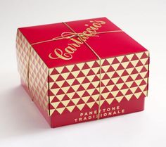 See some amazing panettone packaging designs. Besides being tasty these cakes often come in great packaging design. See them at Ateriet. Christmas Events, Christmas Bags, Christmas Gin, Christmas Crack, Christmas Ideas, Luxury Packaging, Packaging Design, Sweet Box Design, Cake Boxes Packaging