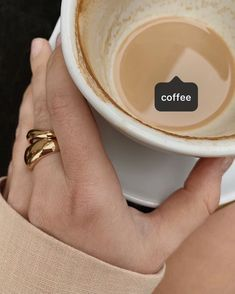 Lots Of Coffee Facts Tips And Tricks 5 – Coffee Coffee Break, Iced Coffee, Coffee Drinks, Morning Coffee, Coffee Shop, Coffee Cups, Coffee Art, Coffee Lovers, Aesthetic Coffee