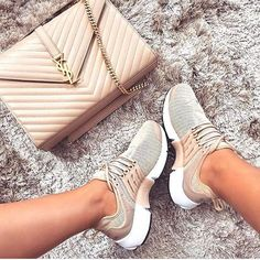 SNOBB QUEEN BLOGG #fashion #style #stylish #love #InstaTags4Likes #fashionblog #cute #photooftheday #nails #hair #beauty #beautiful #instagood #instafashion #pretty #girly #hot #vacation #girls #eyes #maxidress #dress #summer16 #swim #swimwear #newyear #outfit #maternity #black #melaninonfleek
