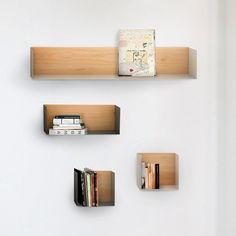 Wandplank Universo Positivo, type U-Shelf - houten achterwand met gelakt metalen plank. www.houtmerk.nl