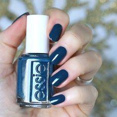 Essie Nail Polish, Nail Polish Colors, Cute Nails, Pretty Nails, Pedicure, Mani Pedi, Christmas Manicure, Nail Envy, Nail Decorations