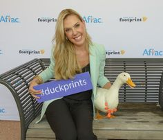 Everything's ducky as Texas women honored in fight against cancer. #duckprints