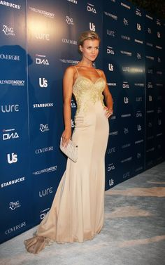 #JoannaKrupa #RHOM does the #redcarpet so well!  LIKE us on Facebook!:http://www.facebook.com/therealhousewivesfanclub