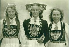 """RP: Three girls of Norway , """" Folk Costume, Costumes, Aboriginal People, Sales Image, World Of Color, Headgear, Original Image, Norway, Colours"""