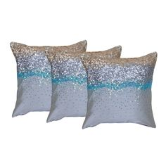 This pillow covers comes in a set of three pillow which is made from raw silk. It is a Reme Brand.