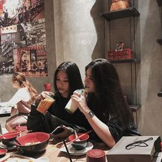 Y/n + y/n's bff Bff Pictures, Best Friend Pictures, Friend Photos, Ulzzang Korean Girl, Ulzzang Couple, Bff Goals, Best Friend Goals, Korean Best Friends, Girl Friendship
