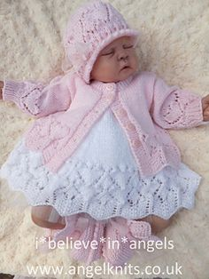 Hand knitted dolls outfit to fit a 7 doll/reborn baby Baby Knitting Patterns, Baby Booties Knitting Pattern, Baby Sweater Patterns, Crochet Dolls Free Patterns, Crochet Pattern, Reborn Baby Boy, Reborn Babies, Crochet Girls, Crochet Baby Hats