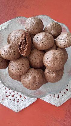 This no all / Disznóól - KonyhaMalacka disznóságai: Kakaós mandulacsók Sweet Cookies, Cake Cookies, Chocolate Recipes, Chocolate Cake, Pastry Cake, Dessert Recipes, Desserts, Ice Cream Recipes, Macarons