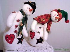 nieves derretidos en paño lency moldes - Buscar con Google Christmas Snowman, Handmade Christmas, Christmas Stockings, Christmas Holidays, Christmas Crafts, Christmas Decorations, Xmas, Christmas Ornaments, Snowman Crafts