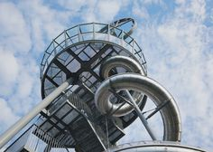 Carsten Höller builds a tower with a slide at the Vitra campus.