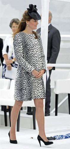 """A duquesa de Cambridge, Kate Middleton, participa da cerimônia de inauguração de um navio de luxo chamado """"Royal Princess, em Southampton, no Reino Unido - http://revistaepoca.globo.com//Sociedade/fotos/2013/06/fotos-do-dia-13-de-junho-de-2013.html (Foto: EFE/Gerry Penny)"""