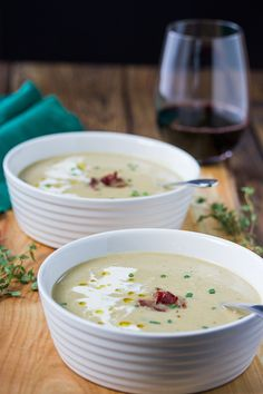 Celeriac Soup with Greyere Cheese. Healthy Celeriac soup is so easy to make and delicious from the greyere cheese crispy pancetta sweet cream and a few drop of truffle oil. Microwave Recipes, Clean Recipes, Soup Recipes, Whole Food Recipes, Celeriac Recipes, Celeriac Soup, Truffle Oil, Oven Roast