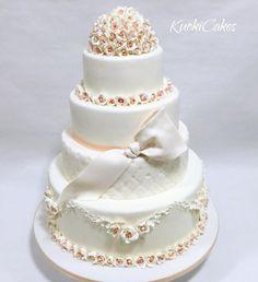 Romantic Wedding cake  - cake by Donatella Bussacchetti