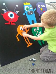 and Match Monsters Making monsters on a felt board. Great idea for PreK and K students!Making monsters on a felt board. Great idea for PreK and K students! Kids Crafts, Toddler Crafts, Projects For Kids, Preschool Activities, Diy For Kids, Preschool Age, Family Crafts, Preschool Learning, Kids Fun