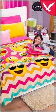 😎😘😂😁😜  ¡Divertido, dinámico y con mucho estilo! Así es el nuevo cobertor ultrasuave #eFriendsPink 💕  >Compra en línea con envío a domicilio 🚛 >Consulta a una VIC  ☝️ 👩 >Acude a tu sucursal más cercana 🏪 Kids Rugs, Home Decor, Blanket, Online Shopping, Hilarious, Furniture, Style, Decoration Home, Kid Friendly Rugs