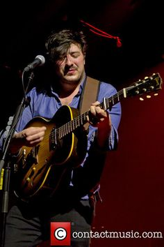 He looks so handsome here. Marcus Mumford, Banjos, Amai, Man Crush, Good People, Sons, Crushes, Handsome, Beer