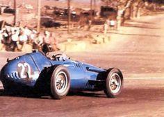 1958 Moroccan Grand Prix, Ain Diab : Masten Gregory, Maserati 250F 2.5 #22, Temple Buell, 6th.  (ph: Pinterest).