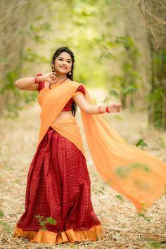 Beautiful Girl Indian, Beautiful Girl Image, Most Beautiful Indian Actress, Beautiful Saree, Beautiful Women, Snake Girl, Saree Photoshoot, Saree Models, Cute Girl Face