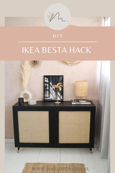 In deze DIY laat ik je zien hoe ik mijn Ikea Besta kast heb omgetoverd tot rotan kast. Ik laat je stap-voor-stap zien wat je nodig hebt en hoe je jouw Ikea Besta kast kunt pimpen! #ikeahack #ikea #diy #rotankast #webbing #rotan #besta #hack Furniture Makeover, Home Furniture, Home Living Room, Living Room Decor, Ideas Decoracion Salon, Diy Bedroom Decor, Diy Home Decor, Home And Deco, My New Room