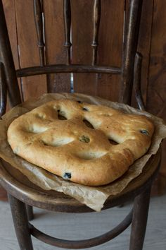 Rozmaringos olívabogyós fougasse | Street Kitchen Bread, Street, Kitchen, Food, Cucina, Cooking, Essen, Breads, Roads