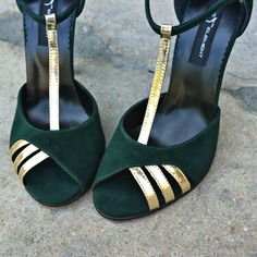 #rosettishowroom #the5thelementshoes #springsummer #sandals #highheels #green #gold