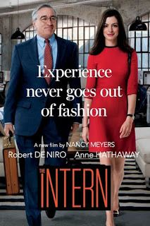 The Intern the film doesn't have that much going for it plot wise and it takes a little while before things start to get interesting but the on-screen chemistry between Anne Hathaway character and Robert De Niro's character is nice to see. See Movie, Movie List, Film Movie, Good Movies To Watch, Great Movies, Movies And Series, Movies And Tv Shows, The Intern Movie, Bon Film