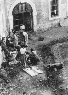 Preparation of food in the Theresienstadt ghetto. Theresienstadt, between 1941 and 1945.