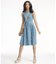 Free Shipping. Discover the features of our Signature Poplin Dress, Mallard Print at L.L.Bean. Our high qualityWomen's Signature Collection are backed by a 100% satisfaction guarantee.