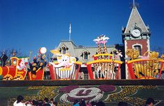 Disneyland 1988 Main Entrance during Circus Fantasy