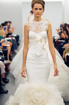 Vera Wang wedding dress, Fall 2013. Click to see the full dress.