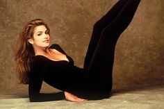 Cindy Crawford erre az edzésre esküszik: ettől maradt ilyen jó formában Cindy Crawford Workout, Body Motivation, Excercise, Pilates, Cardio, Health Fitness, Hair Beauty, Sports, Image