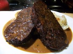 The Vegetarian Carnivore: Roast Beef, or More Experiments in Seitan Using meat grinder Seitan Recipes, Vegetarian Recipes, Seitan Chicken, Vegan Foods, Vegan Dishes, Vegan Meals, Vegan Meat Substitutes, Vegan Roast, Vegetables