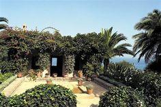 The Courtyard terrace at Pierre Berge & Yves Saint Laurent's Villa Mabrouka, Tangier. Landscape Architecture, Landscape Design, Garden Design, Marrakech, Tangier Morocco, Porches, Moroccan Garden, Moroccan Style, Villa