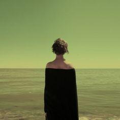 Egor Shapovalov - Fotografie tra minimalismo e solitudine Surrealism Photography, Art Photography, Fashion Photography, Illusion Photography, Photomontage, Carl Spitzweg, Ligne D Horizon, Double Exposition, Foto Portrait