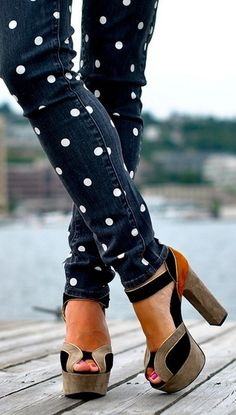 DIY Polka Dot Jeans - LOVE <3 the way the WHITE dots look on the DARK Jeans. Will make!!!