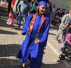 P ➫ @ qveendaiisy Custom Graduation Caps, Graduation Day, Grad Pics, Graduation Pictures, Black Girl Magic, Black Girls, Graduation Photoshoot, Cap And Gown, Black Barbie