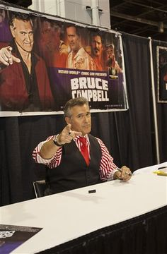 Bruce Campbell Wizard World Chicago Comic Con 2014 - Day 3