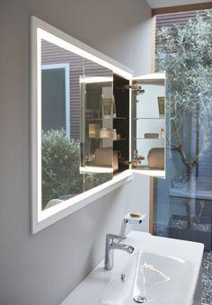 Versenk deinen Spiegelschrank doch einfach in der Wand. So bekommst du einen superdünnen Spiegel und sparst Platz! Mehr solche Ideen bekommst du hier www.wohn-dir-was.de Bildmaterial: (c) Duravit