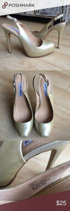 Steve Madden Staciee Gold Metallic Heels 9.5 Steve Madden Gold Metallic Heeled Sandals. Excellent condition some signs of wear please see pictures! Hardly worn! Slingback platform style! Size 9.5 Steve Madden Shoes Heels