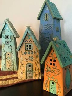 Little ceramic decorative houses. By Davis Vachon Gallery. Clay Houses, Ceramic Houses, Miniature Houses, Ceramic Clay, Pottery Pots, Pottery Houses, Ceramic Pottery, Recycled House, Saltbox Houses