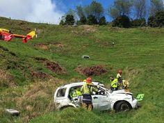 Um cão salvou a vida de seu dono depois que sofreu um acidente em Waikato, na Nova Zelândia.O motorista, de 55 anos, perdeu o controle do veículo, saiu da pista e desceu cerca de 100 metros moro abaixo, segundo a imprensa local.