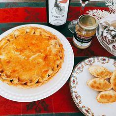 Alguém receberá nosso Kit de Estrogonofe de Cogumelo com Vinho Pizzato e Antepasto De Tomasso. #barquete #detommasobr #pizzato #tortaestrogonofe #cogumelo 🎄🎄🎄 @donamanteiga #donamanteiga #danusapenna #amanteigadas #gastronomia #food #bolos #tortas www.donamanteiga.com.br